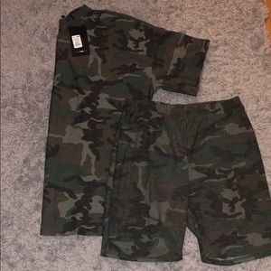 Two piece camouflage short set